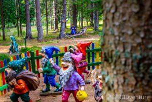 Märchenfiguren im Wald